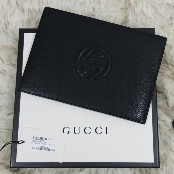 Gucci Handbags - Gucci Soho Black leather envelope clutch